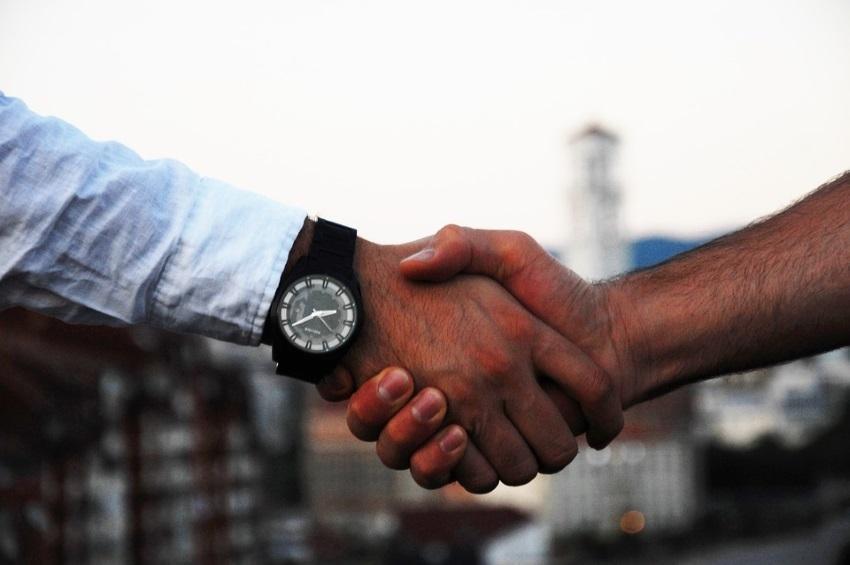 Eliminando los Tres Principales Obstáculos que existen entre sus Prospectos y Usted
